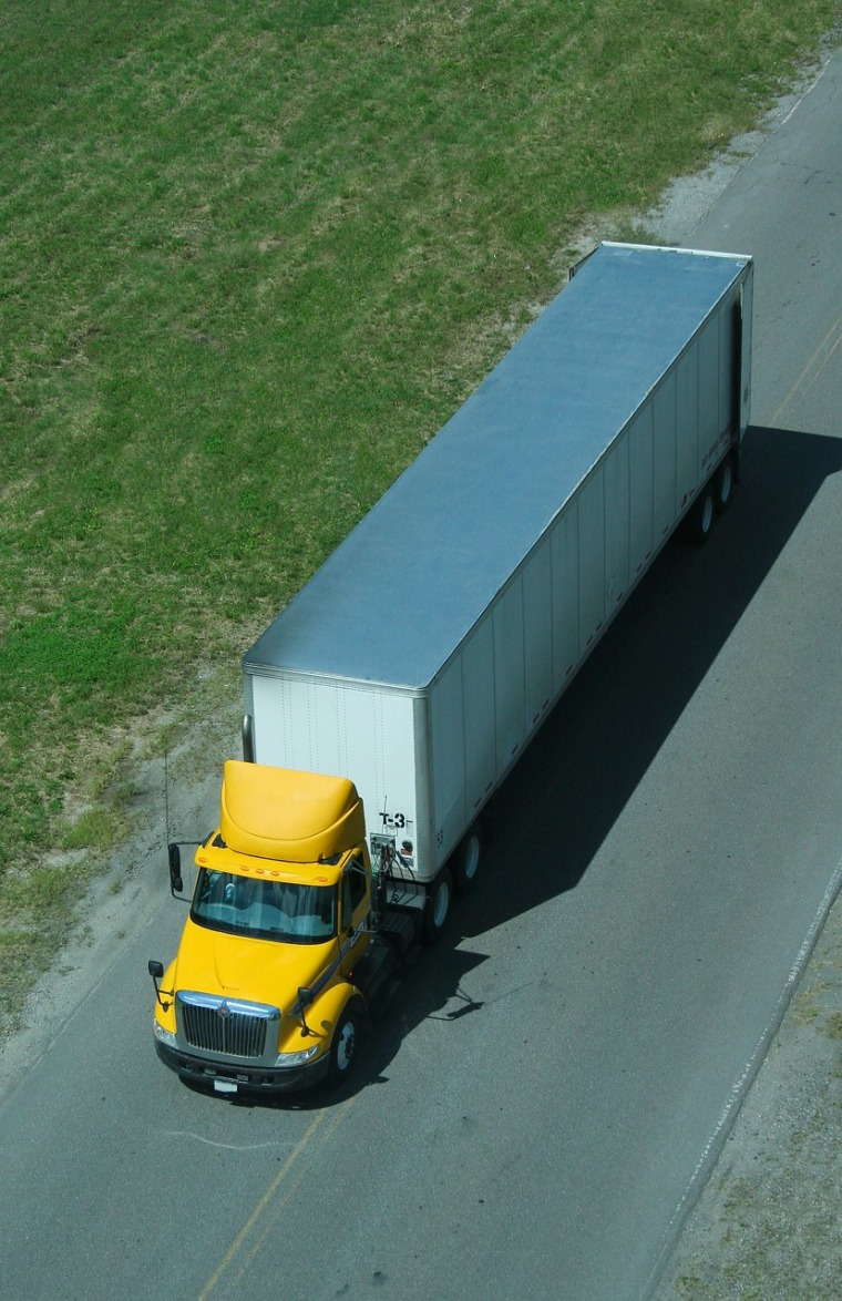 truck-2683872_1280