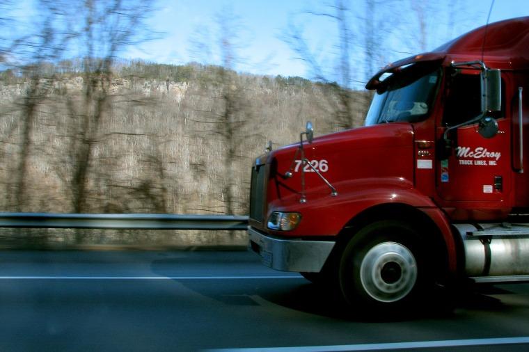 semi-truck-1801523_1920